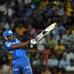 Dwayne Smith bats Mumbai to big win