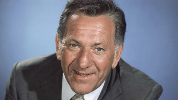 "Jack Klugman of ""The Odd Couple"" dies at 90"
