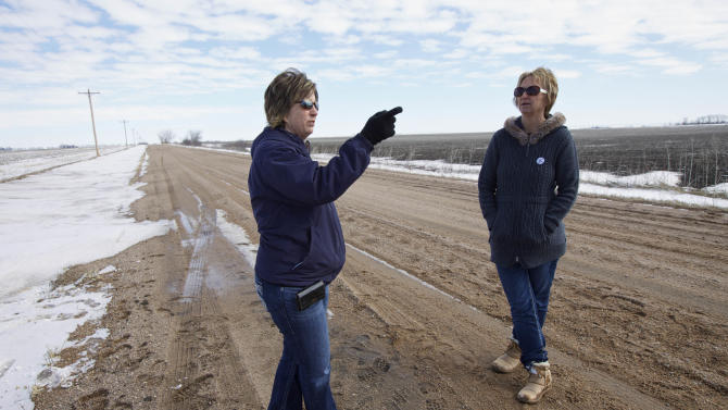 As odds grow long, opponents move to stop pipeline