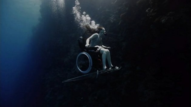 Wheelchair-Bound Woman Soars Underwater (ABC News)