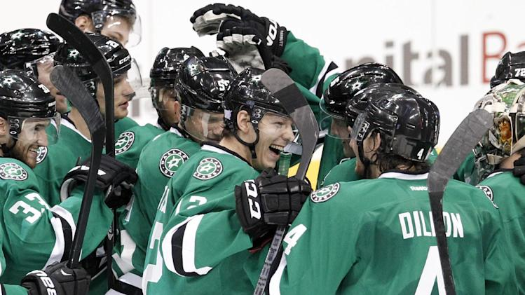 Chiasson, Stars hand Sharks 1st loss, 4-3 in SO