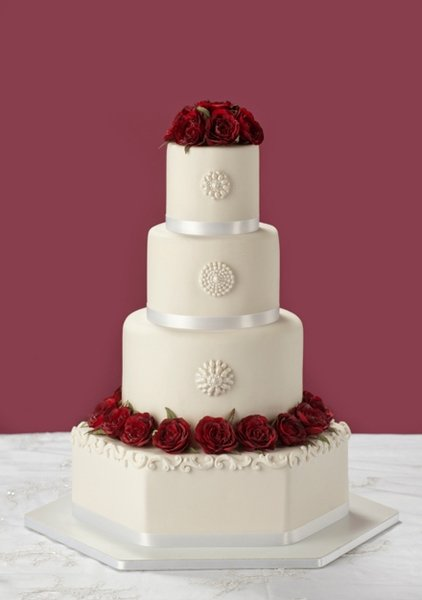 Classic red wedding cake for traditional wedding
