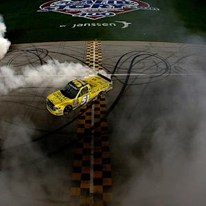 Kyle Busch earns sixth NCWTS win of the season