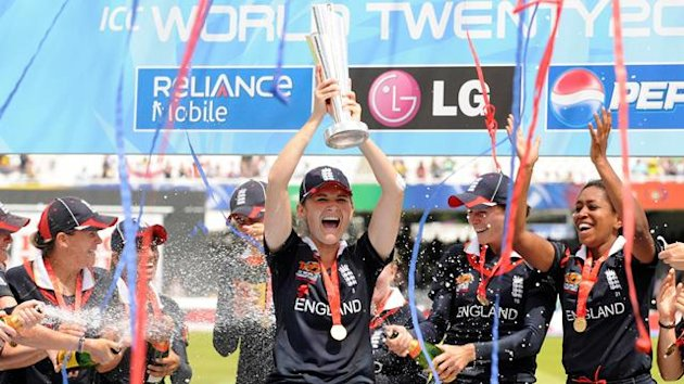 2009 England captain Charlotte Edwards lifts the World Twenty20 trophy