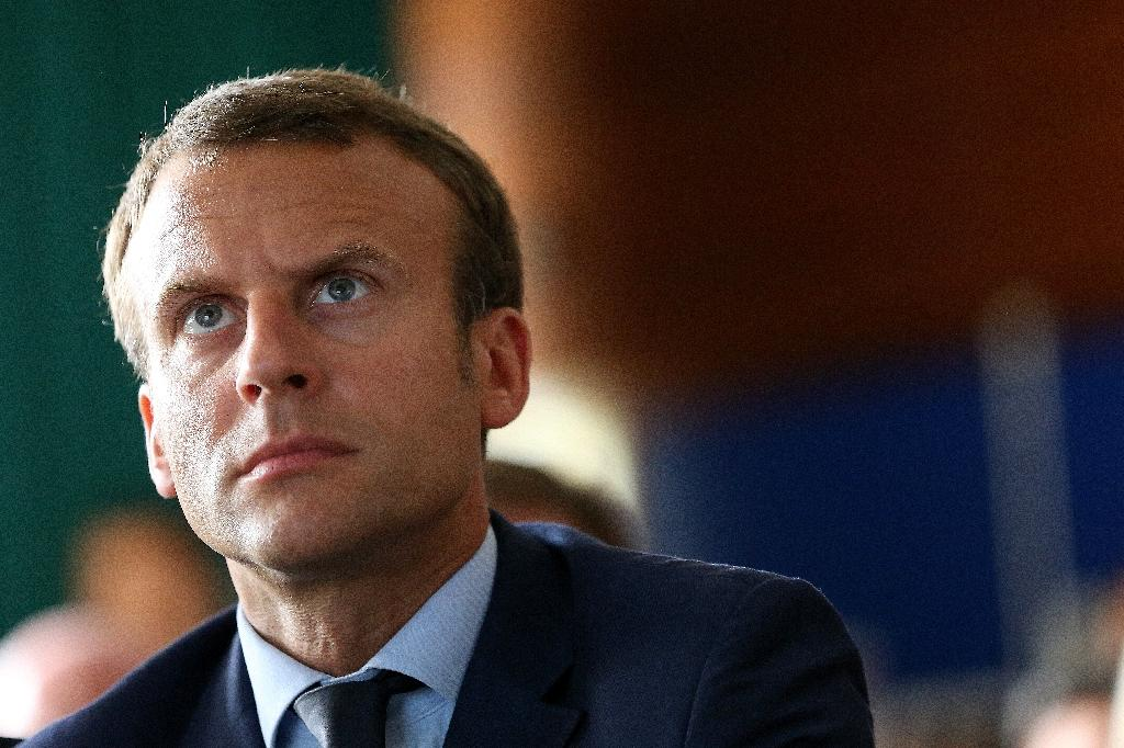 France seeks new president but could get familiar face