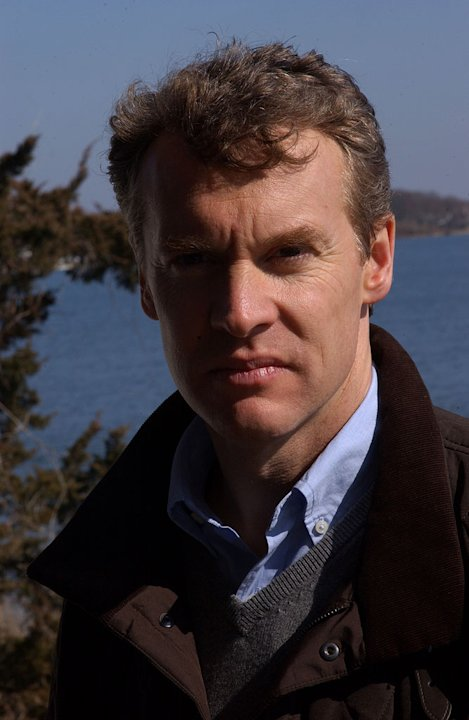 Tate Donovan stars as Tom Shayes in the legal thriller Damages.