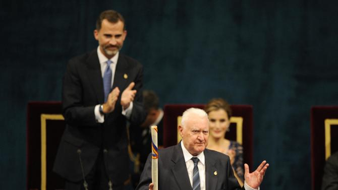 French hispanicist Joseph Perez acknowledges the applause after receiving the 2014 Prince of Asturias award for Social Sciences in Oviedo