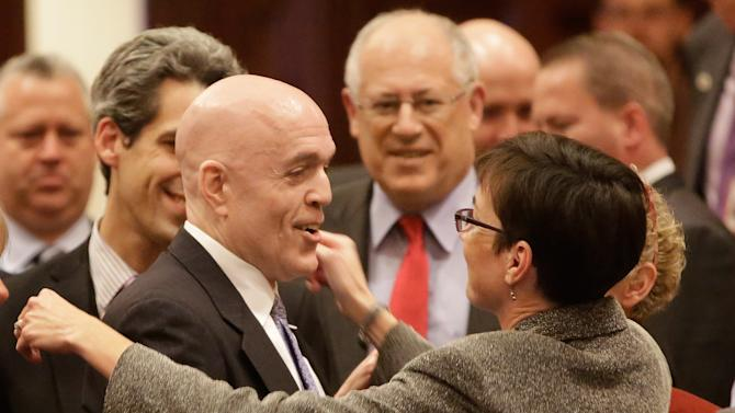 Ill. set to be 15th state to allow gay marriage
