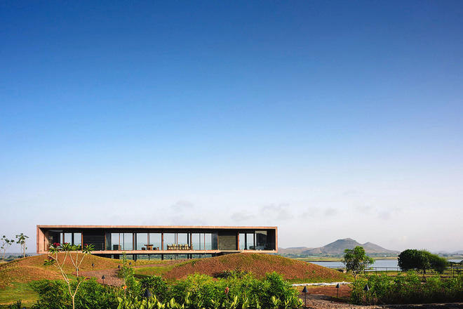 Adventures in Architecture: This Stunning Mountain House in India Has Mies-Modern Vibes