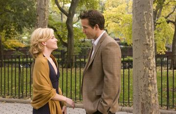 Elizabeth Banks and Ryan Reynolds in Universal Pictures' Definitely, Maybe