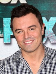 Seth MacFarlane dating Emilia Clarke - report
