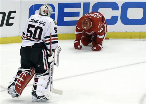 Red Wings top Blackhawks 3-1, take 2-1 series lead