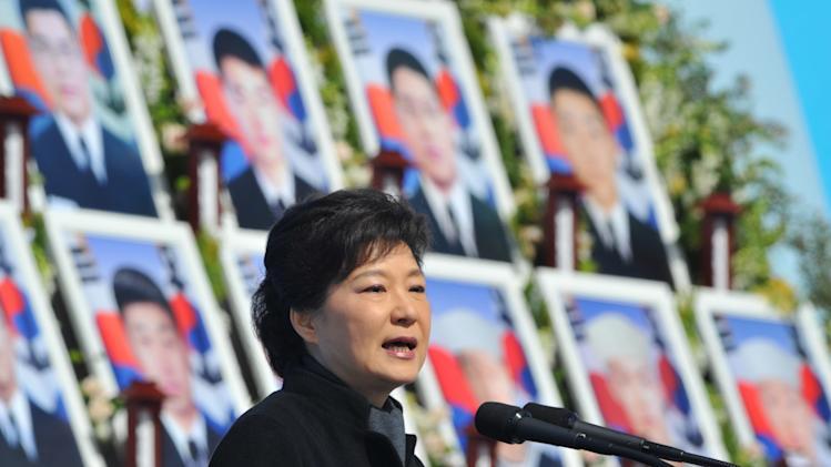 Stumbles of SKorean leader distract month into job