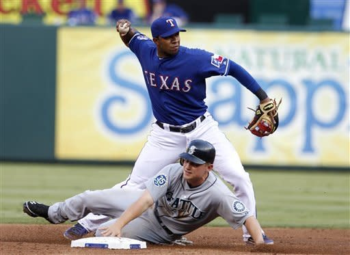 Mariners end 5-game losing streak, 10-3 at Texas