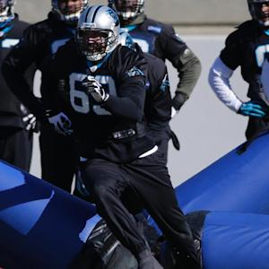 Panthers DE Jared Allen (broken foot) returns to practice before Super Bowl