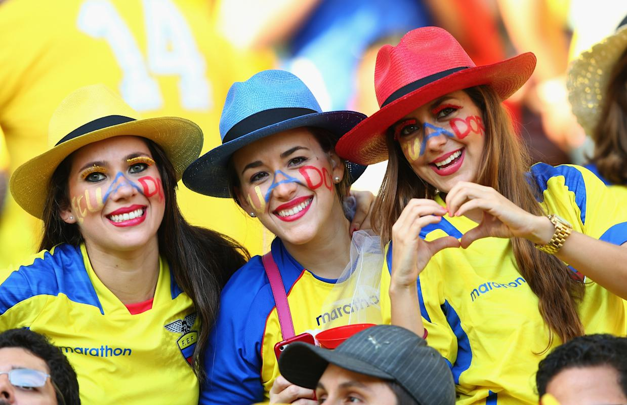 Photogenic fans of the World Cup - Day 14