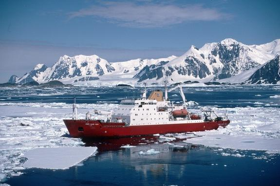 Antarctic Mission to Feature Robot Subs & Seals with Sensors
