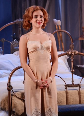 Scarlett Johansson attends the curtain call for the &#39;Cat On A Hot Tin Roof&#39; opening night at Richard Rodgers Theatre on January 17, 2013 in New York City -- Getty Images
