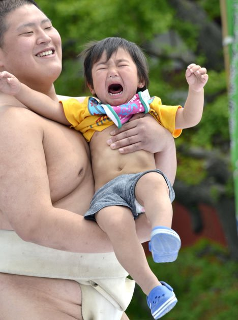 baby-cry-sumo-04-010511