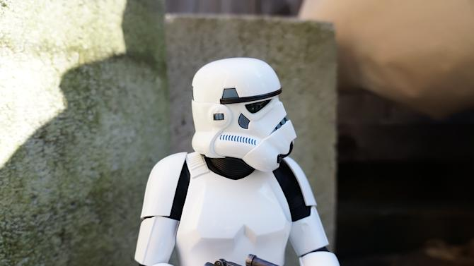 Awesome Toy Picks: Stormtrooper Sixth Scale Figure by Hot Toys