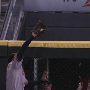 Markakis' great leaping catch
