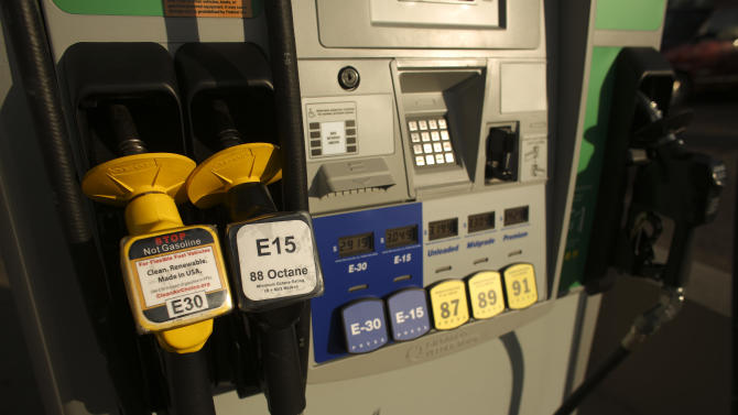 Minneapolis gas station offers higher-ethanol E15