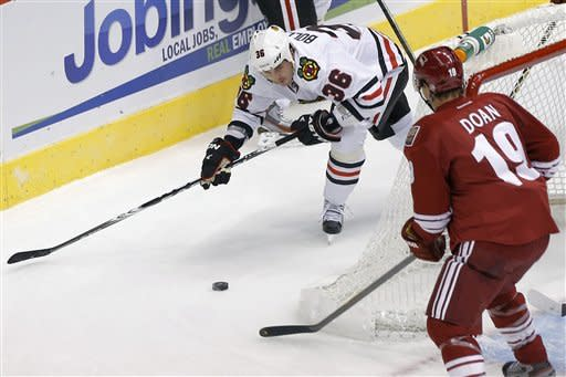 Blackhawks hold off Coyotes 6-4 in playoff rematch