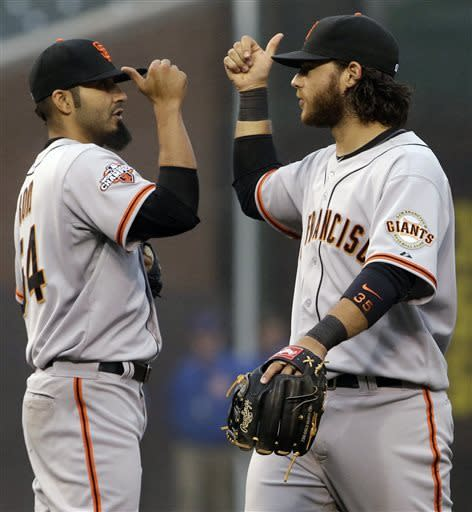 Sandoval, Crawford help Giants rally for win