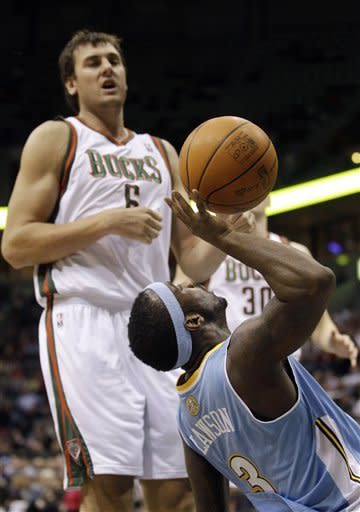 Brewer and Nuggets defeat Bucks 105-95