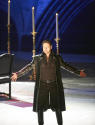 "In this March 2, 2013 photo provided by the Vienna State Opera Ildar Abdrazakov in the role of Don Giovanni performs during a dress rehearsal for Wolfgang Amadeus Mozart's opera ""Don Giovanni"" at the state opera in Vienna, Austria. (AP Photo/Vienna State Opera, Michael Poehn)"