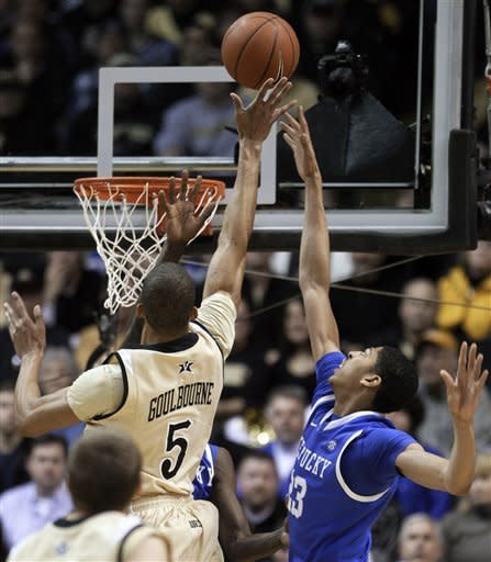 Kentucky beats Vandy 69-63 for 17th straight win