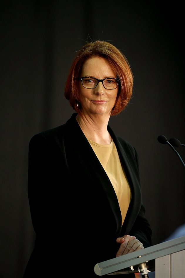 Julia Gillard Hosts Community �