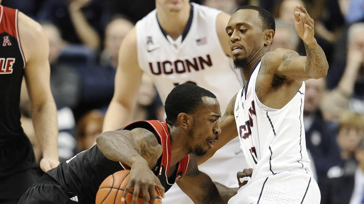 Smith, Harrell lead No. 18 Louisville over UConn