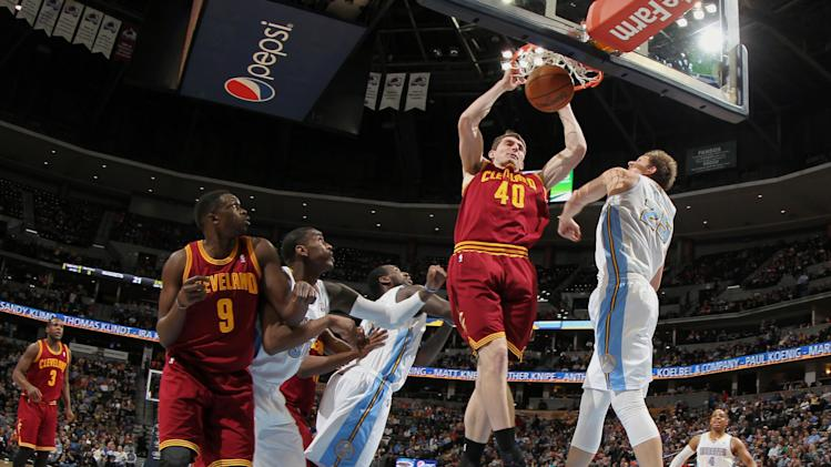 Irving's 23 helps Cavaliers top Nuggets, 117-109