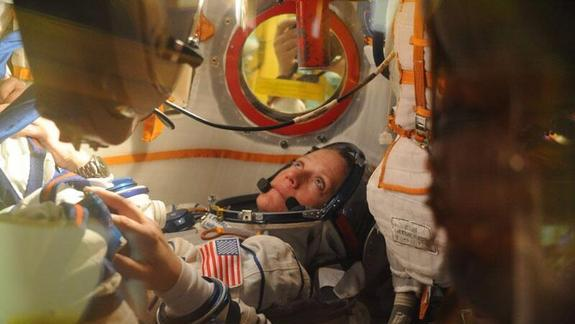 Astronaut Packs Crafts for Creative Space Station Trip