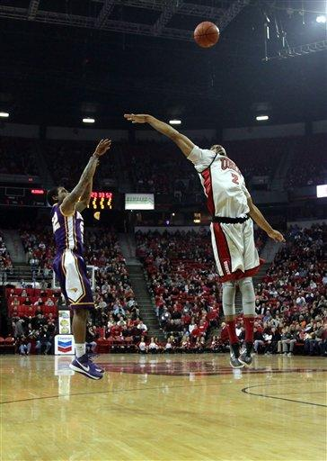 No. 21 UNLV beats Northern Iowa 73-59