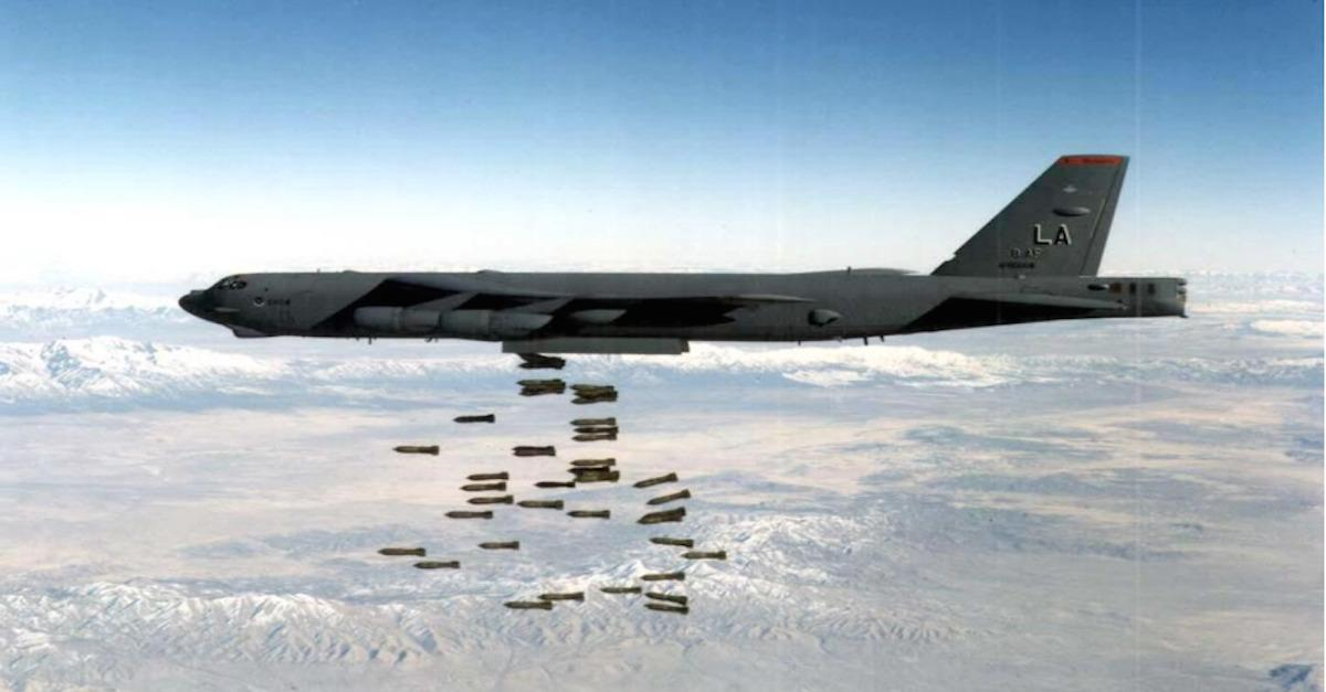 24 jaw-dropping photos of B-52 bombers