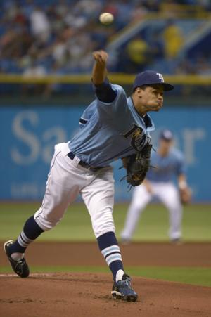 Lobaton homers in 10th, Rays beat Jays 2-1