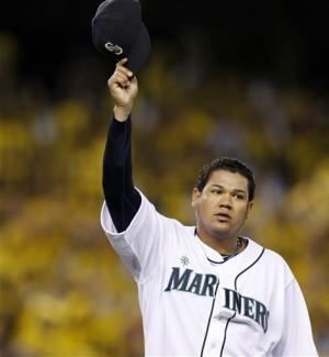 Felix Hernandez leads Seattle past Indians 5-1
