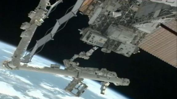 Robotic Satellite-Refueling Test Resumes on Space Station