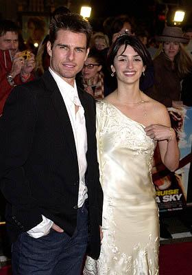 Tom Cruise and Penelope Cruz at the Hollywood premiere of Vanilla Sky