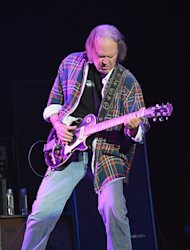 Neil Young and Crazy Horse Double-Disc 'Psychedelic Pill' Due in October