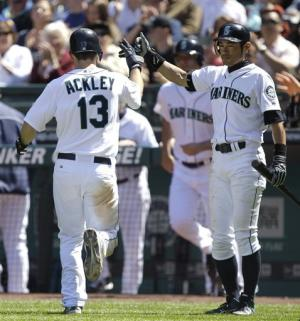 Montero and Carp lead Mariners over Twins 5-2