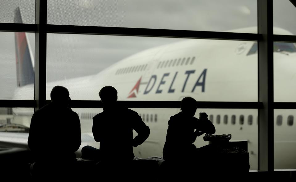 Delta Air Lines clings to $7M profit in 4Q