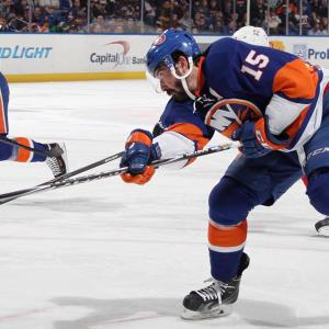 New York Islanders' Owner Sells Minority Stake Before Move