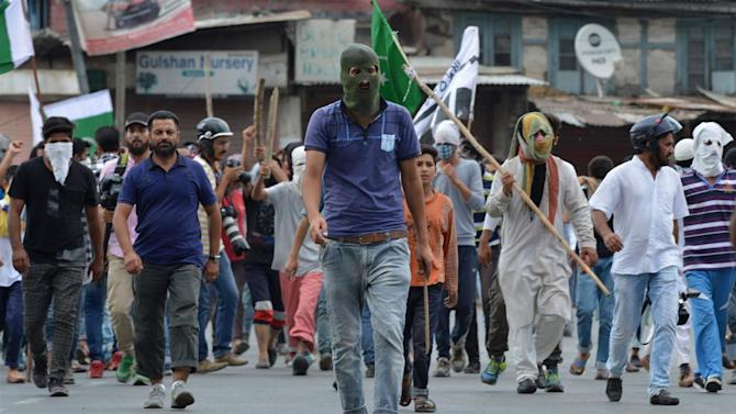 Protests Persist as Curfew Is Lifted in Kashmir