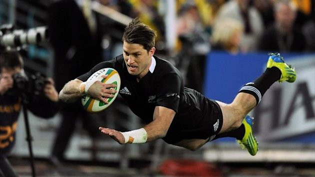 Cory Jane from New Zealand (C) scores a try during the Bledisloe Cup rugby union Test against Australia in Sydney (AFP)