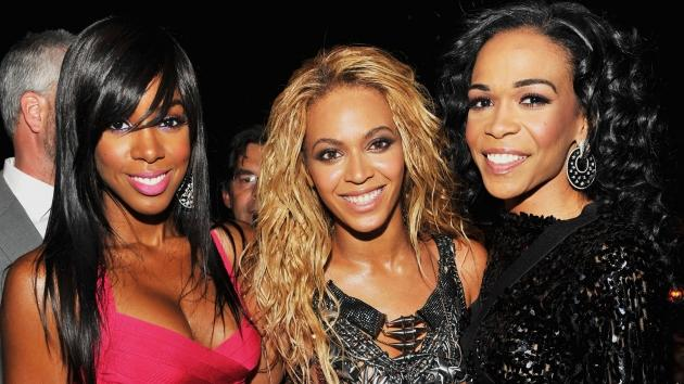 A Destiny's Child reunion! Kelly Rowland, Beyonce and Michelle Williams are all smiles during the 2011 Billboard Music Awards at the MGM Grand Garden Arena in Las Vegas May 22, 2011 -- Getty Premium