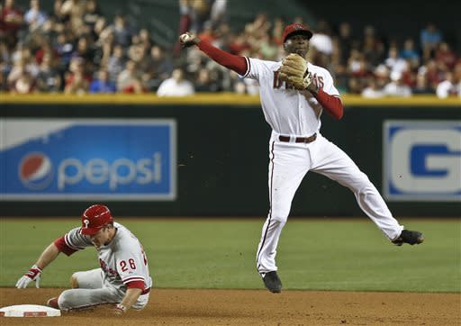 D-backs beat Phillies 3-2 for 5th straight win
