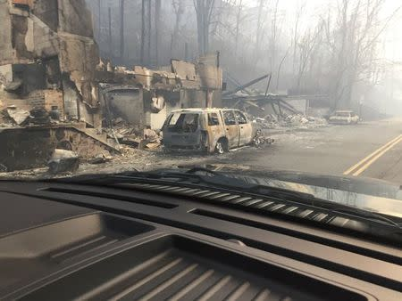 Death toll from Tennessee wildfires climbs to 10